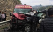 Ô tô đâm nhau trên cao tốc Nội Bài - Lào Cai: 12 người bị thương, 2 người đã tử vong