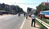 Bắc Giang: Xe trộn bê tông bị tàu húc bay do vượt ẩu