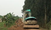 Doanh nghiệp xẻ đê chôn đường ống nước