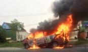 Hà Tĩnh: Xe khách 16 chỗ bốc cháy dữ dội sau khi tự gây tai nạn