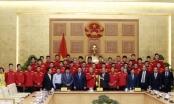 Thủ tướng trao Huân chương Lao động Hạng Nhì cho tiền vệ Nguyễn Quang Hải