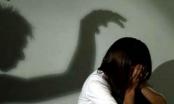 Bé gái 12 tuổi nghi bị xâm hại trên đường đi học về