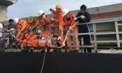 Quảng Ninh: Cứu sống 8 ngư dân trong vụ chìm tàu do sóng lớn