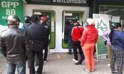 Đồng loạt tăng phí rút tiền ATM: Xem xét dấu hiệu vi phạm