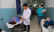 Hàng chục công nhân đang làm việc phải nhập viện với biểu hiện bất thường
