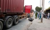 TP HCM: Đi xe máy ngã ra đường, một người đàn ông bị xe container cán tử vong