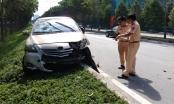 Xe cứu hỏa hất taxi công nghệ xoay tròn trên đại lộ Mai Chí Thọ