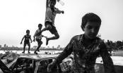 Những bức ảnh kể về tuổi thơ của trẻ em trên khắp thế giới