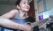 Cụ bà gây bão cộng đồng mạng với cây đàn guitar
