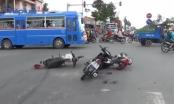 Bình Dương: Tai nạn liên hoàn 4 xe máy, 3 người bị thương nặng