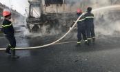 [Video]: Xe khách cháy trơ khung trên đại lộ Thăng Long, hành khách hoảng loạn