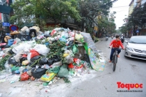 Bài học cho Hà Nội sau bốn ngày sống chung với... rác
