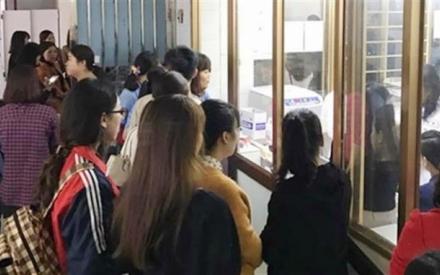 Bộ trưởng Phùng Xuân Nhạ biểu dương hành động đẹp của giáo viên Quảng Ninh