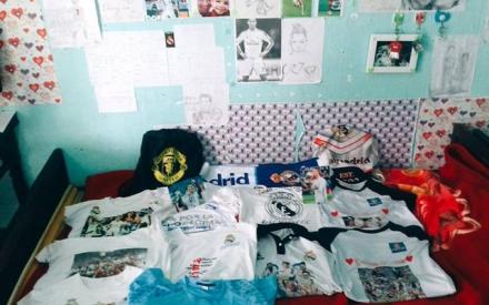 Bộ sưu tập ấn tượng của nữ sinh 9x mê bóng đá