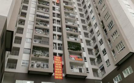 Tranh chấp bùng nổ khắp các chung cư: Đề xuất phạt người căng băng rôn phản cảm?