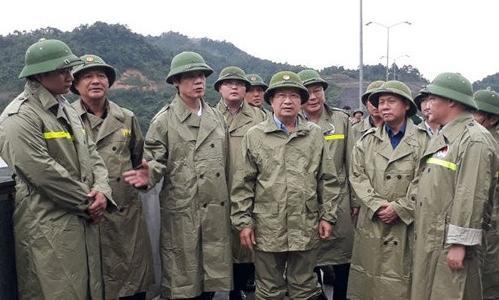 Phó Thủ tướng Trịnh Đình Dũng: Đặt an nguy tính mạng người dân lên hàng đầu trước bão số 4