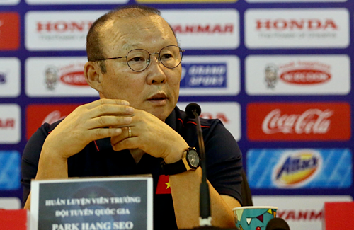 Báo Hàn tiết lộ mức lương mới của HLV Park Hang-seo tại Việt Nam?