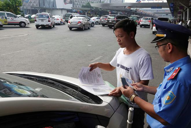 TP HCM: Xe khách, xe buýt, Grap, taxi tiếp tục tạm ngưng hoạt động