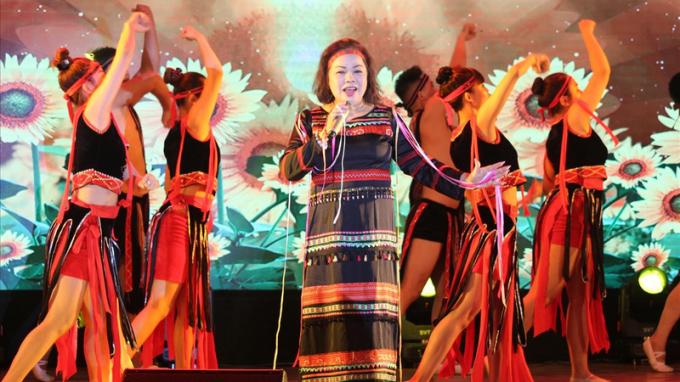 """NSND Rơ Chăm Phiang: """"Giọng hát, năng khiếu, hình thức"""" là ba tiêu chí của một thí sinh mà tôi quan tâm"""