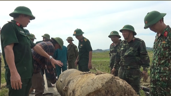 Thanh Hóa: Phá hủy quả bom nặng hơn 900kg