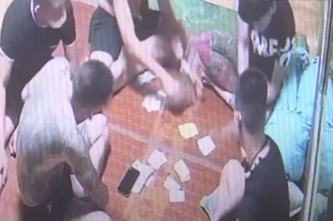 Bắc Ninh: Tụ tập đánh bạc, ăn nhậu ở quán game 12 nam thanh niên bị xử phạt 205 triệu đồng