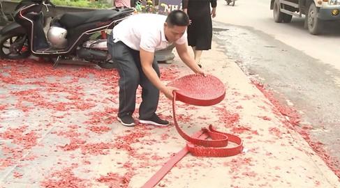 Điều tra, xử lý nghiêm vụ đốt băng pháo dài hàng chục mét tại một lễ cưới tại Sóc Sơn