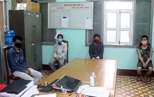 Quảng Ninh: Tạm giữ 4 đối tượng đi xe máy không đội mũ bảo hiểm, tấn công lực lượng phòng dịch