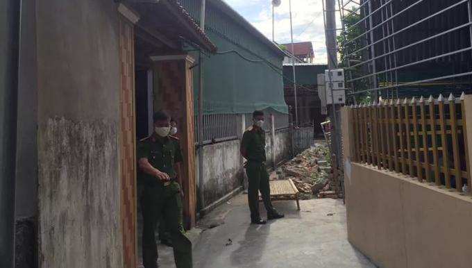Hà Tĩnh: Bàng hoàng phát hiện cặp vợ chồng cùng bạn tử vong bất thường tại nhà riêng