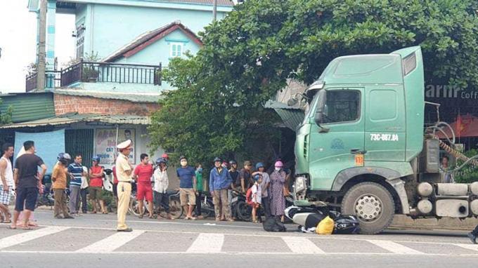 Tai nạn giao thông trong tháng 6 khiến gần 500 người thiệt mạng