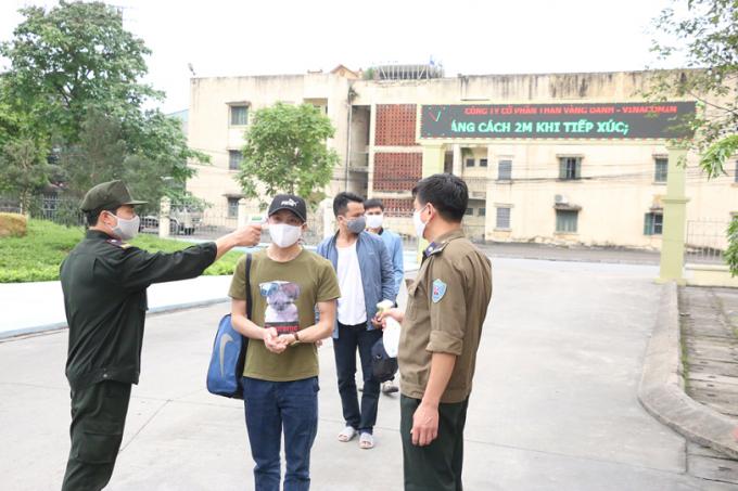 Quảng Ninh: Cách ly hàng loạt công nhân do có người dương tính với Covid-19