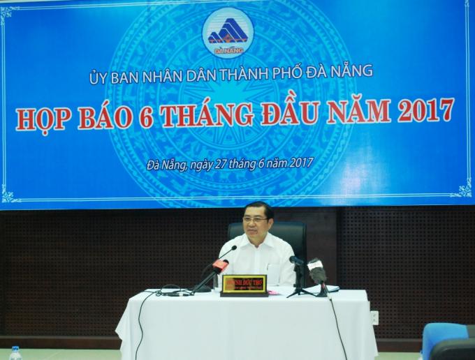 Chủ tịch UBND TP Đà Nẵng Huỳnh Đức Thơ yêu cầu các đơn vị trực thuộc thành phố rà soát, sắp xếp lại số lượng cấp phó vượt quy định.