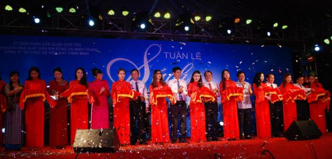 Lễ cắt băng khai trương Tuần lễ sách Sơn Trà - Đà Nẵng 2017.