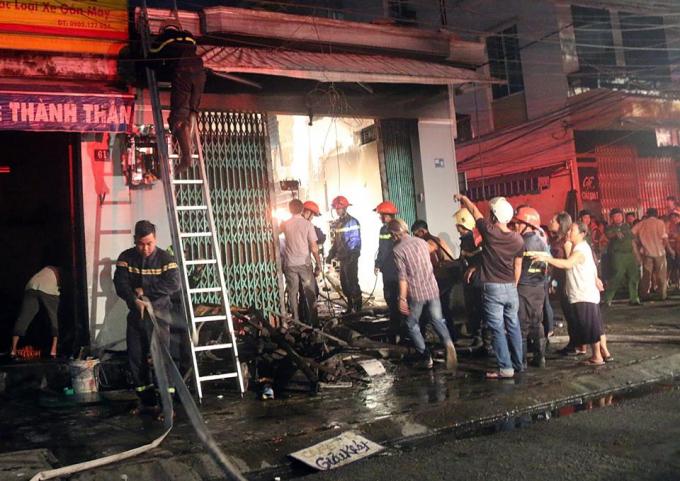Hiện trường vụ cháy tối 9/7.