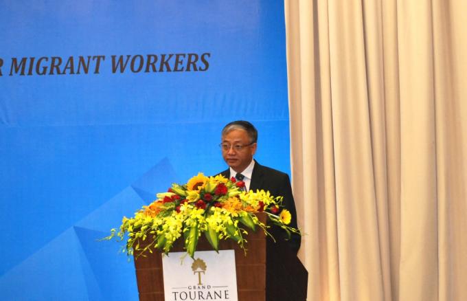 Thứ trưởng Bộ Lao động, Thương binh & Xã Hội, ông Doãn Mậu Diệp phát biểu khai mạc.