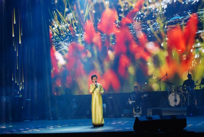 Nữ danh ca Khánh Ly khiến khán giả thích thú khi kể những câu chuyện tưởng như mới từ ngày hôm quavề những cuộc gặp gỡ với cố nhạc sĩ Trịnh Công Sơn giai đoạn 1965-1967.