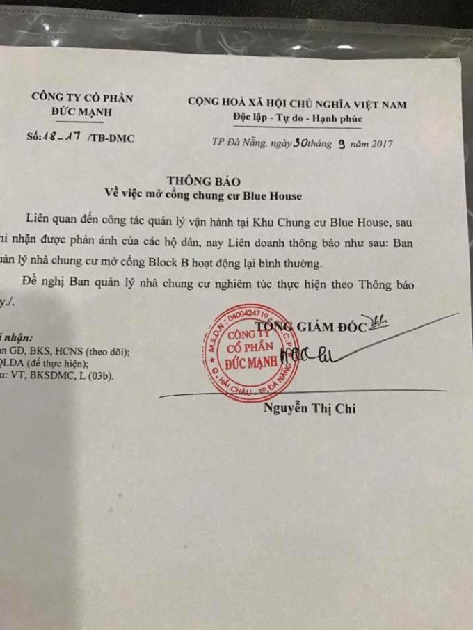 Quyết định mở lại cửa ra vào block B khu chung cư Blue House của bà Nguyễn Thị Chi -Tổng giám đốc Công ty CP Đức Mạnh.