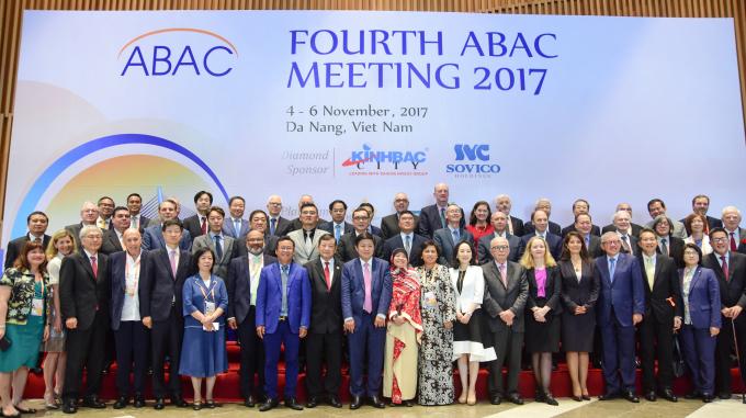 Chương trình nghị sự tại Hội nghị đã nhấn mạnh tầm quan trọng của tự do hóa thương mại và các giải pháp để gỡ bỏ các hàng rào thuế quan cũng như phi thuế quan.