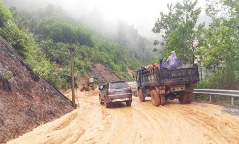 Tổng Công ty Đầu tư phát triển đường cao tốc Việt Nam (VEC) được Quảng Nam khẩn trương sửa chữa, hoàn trả các tuyến đường bị hư hỏng tại huyện Phú Ninh. (Ảnh minh họa).