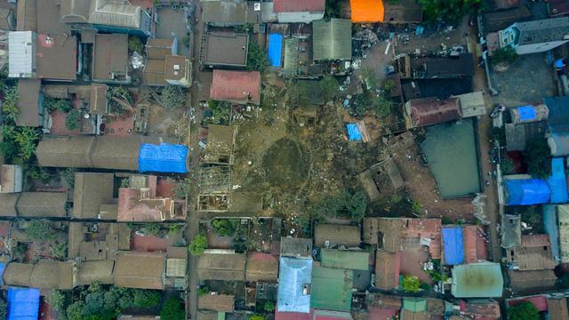 Sau vụ nổ kinh hoàng xảy ra lúc hơn 4h sáng ngày 3/1, một góc thôn Quan Độ tan hoang như vừa trải qua một trận bom thời chiến.