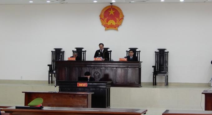 Phiên tòa tạm hoãn đến ngày 9/2/2018.