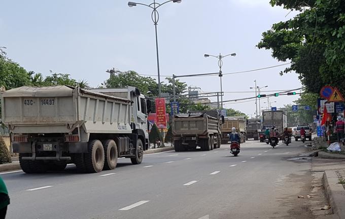 Đà Nẵng sẽ cấm xe đầu kéo di chuyển trên 1 số đoạn thuộc trục quốc lộ 14B từ khoảng 16h30 đến 18h30'. Ảnh: atgt.vn.