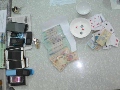Tang vật vụ đánh bạc được cơ quan chức năng phát hiện.