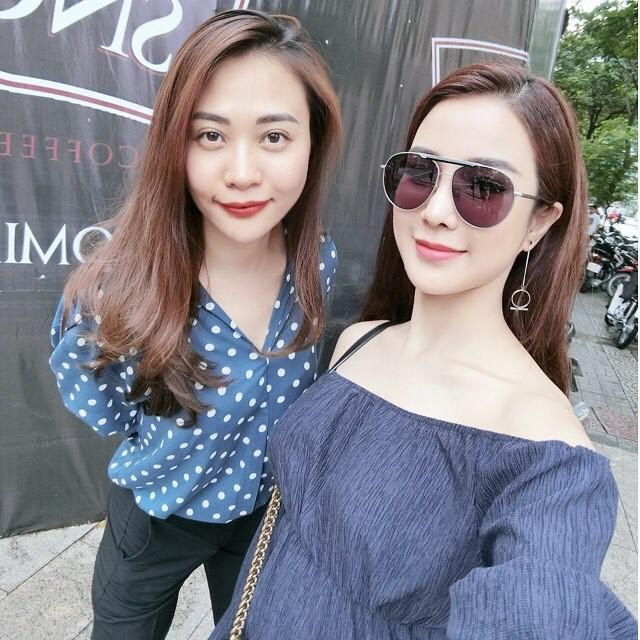 Đàm Thu Trang đăng ảnh chúc mừng cô bạn thân Diệp Lâm Anh vừa được bạn trai cầu hôn trong rạp gây chú ý.