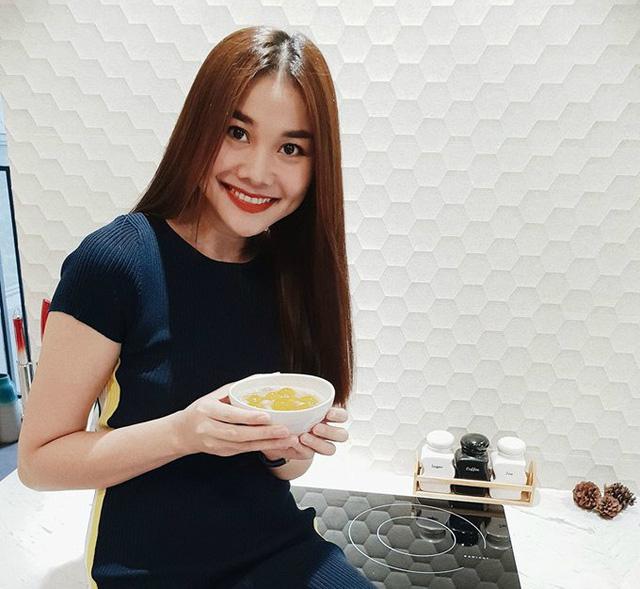 Thanh Hằng khoe thành quả chén chè do đích thân cô vào bếp, nữ diễn viên viết:
