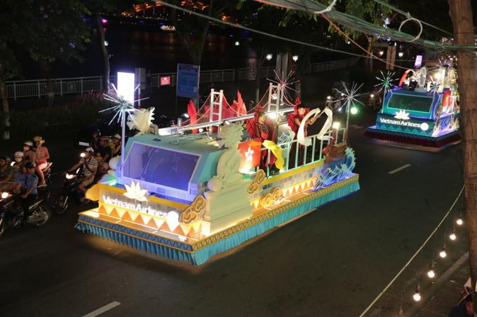 Lễ hội Carnaval đường phố xoay quanh chủ đề cuộc thi