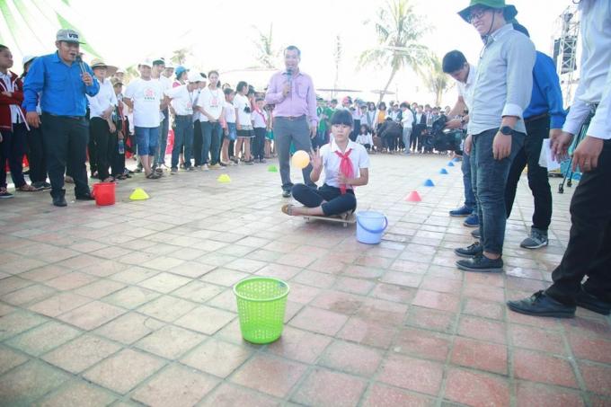 Hoạt động vui chơi trong chương trình Ngày hội tuổi thơ.