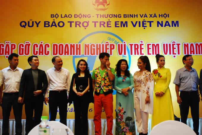 Các doanh nghiệp, nhà hảo tâm ủng hộ gần 8 tỷ đồng cho hoạt động vì trẻ em Việt Nam