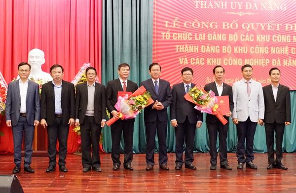Công bố Quyết định tổ chức lạiĐảng bộ các Khu công nghiệp Đà Nẵng thành Đảng bộ Khu công nghệ cao và các khu công nghiệp Đà Nẵng. Ảnh: danang.gov.vn.