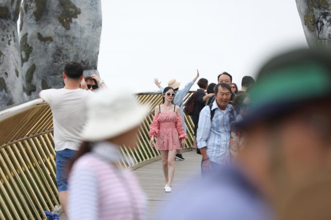 """Sự xuất hiện của Cầu Vàng tháng 6/2018 đã góp phần không nhỏ đưa Đà Nẵng trở thành """"điểm phải đến trên thế giới năm 2018, 2019""""."""