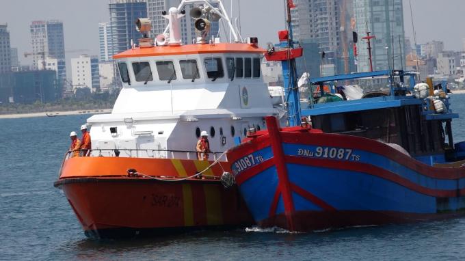 Tàu cá chết máy từ ngày 22/4 tại phía Nam vịnh Bắc Bộ.